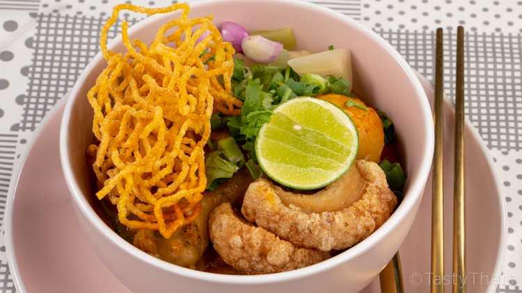 Delcious Chicken Khao Soi Thai Noodle Curry