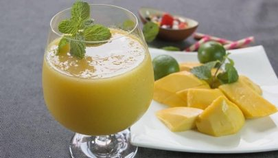 Honey & Mango Smoothie with Lime
