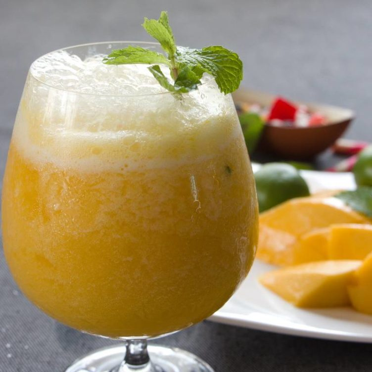 Honey Mango & Lime Smoothie Spritzer