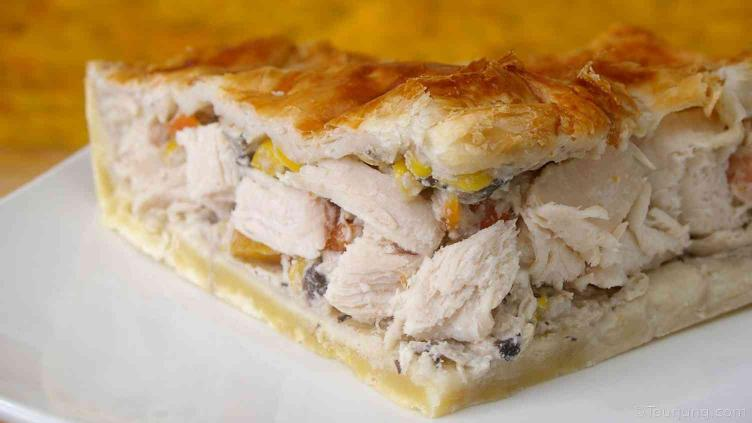 photo of chicken pie - a reciupe you might make to use up left-over chicken
