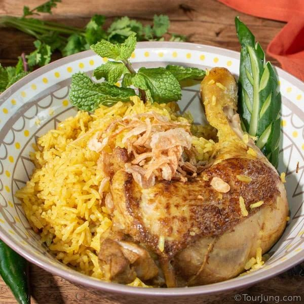 image of Khao Mok Gai or Thai Chicken Biriyani ready to eat