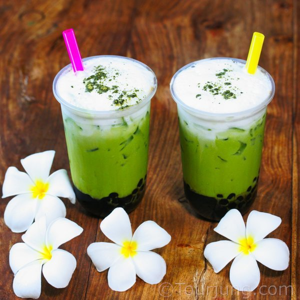 how to make iced green tea latte Thai style