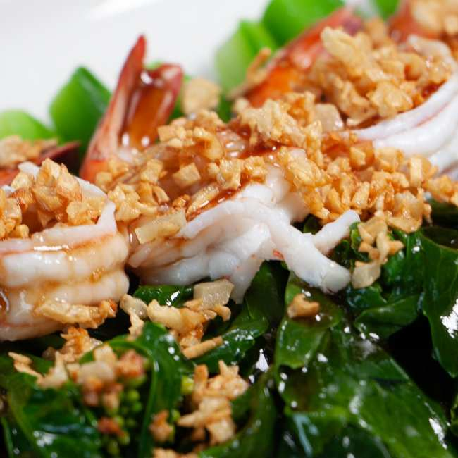 photo of stir fried chinese kale in oyster sauce with shrimp