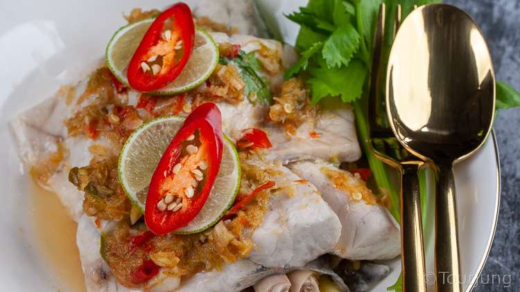 photo of steamed sea bass fillet with lime sauce