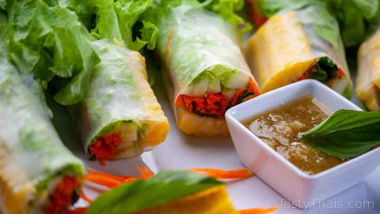 photo of Thai spring rolls with tangy dipping sauce