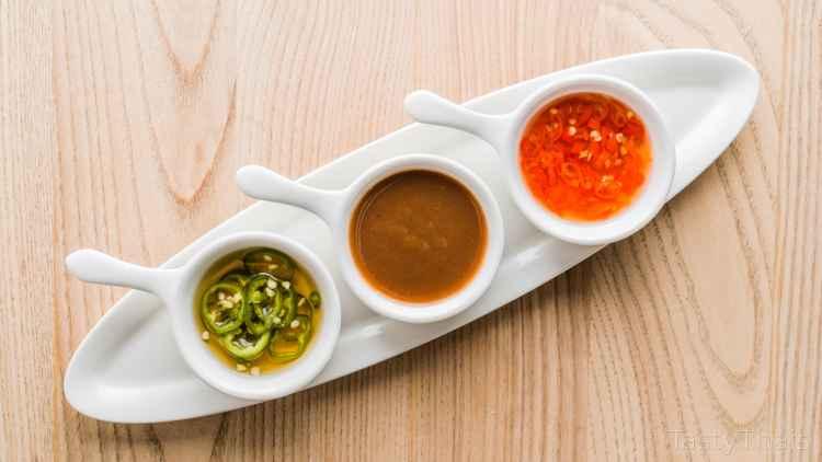 photo fo a few Thai dipping Sauces