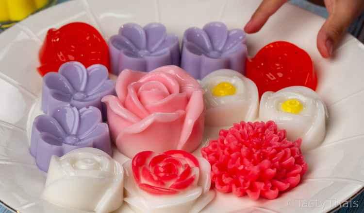 photo of strawberry jello art flower desserts