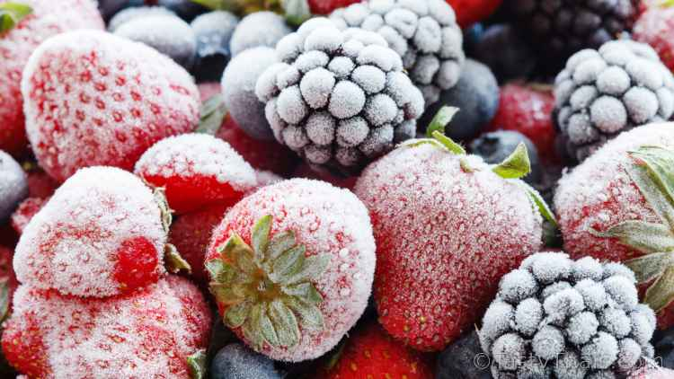 photo of frozen berries which last a long time frozen and have many vitamins to build immunity and keep your body fed
